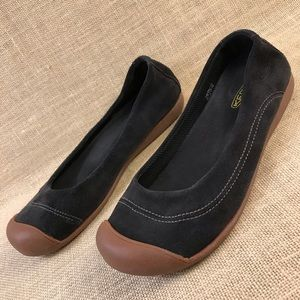 Keen leather black flats size 11